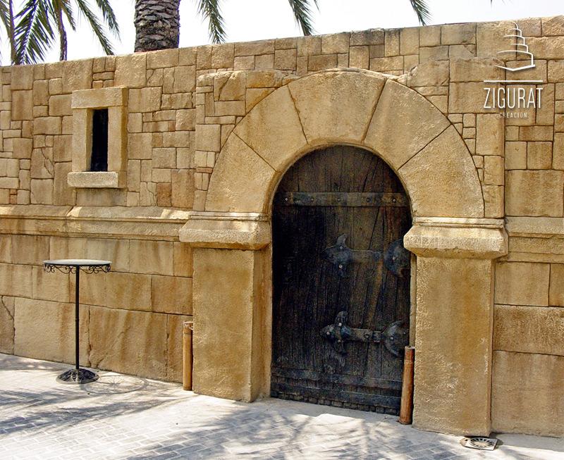 Piedra artificial para fachadas recercados con molduras for Imitacion piedra para fachadas